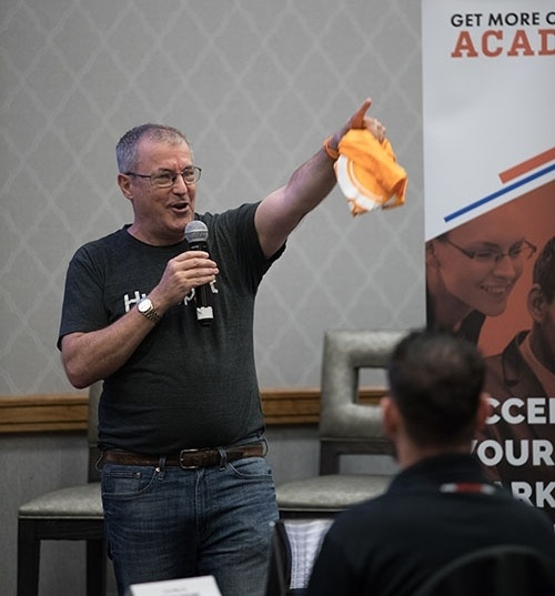 get more customers academy guest speaker dan tyre of hubspot